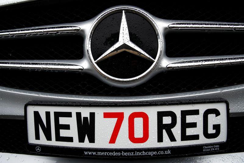 Продажи новых автомобилей в Европе в 20г упали на четверть -- ACEA