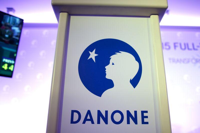 BOURSE: Danone monte, un fonds activiste réclame le départ du PDG