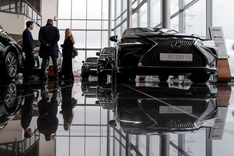 Владелец российского автодилера Рольф прекратил переговоры о продаже