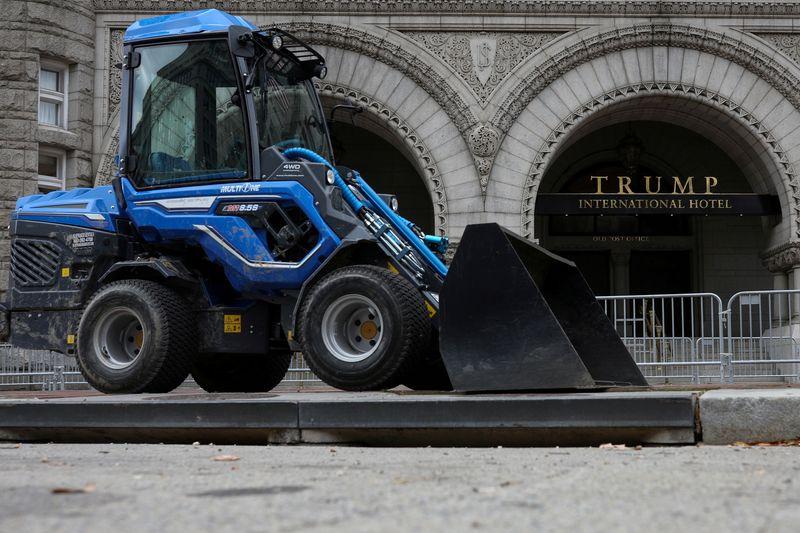 Trump resort revenue sank as pandemic spread: financial disclosure