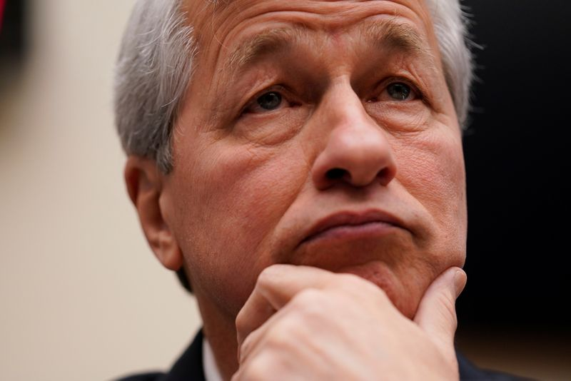 © Reuters. FILE PHOTO: Jamie Dimon, chairman & CEO of JP Morgan Chase & Co., arrives to testify before a House Financial Services Committee hearing on Capitol Hill in Washington