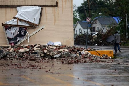 Natural catastrophes cause above-average $100 billion in insurance losses in 2020