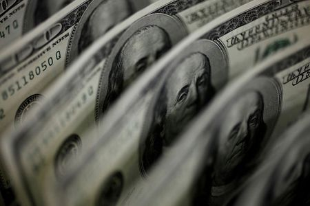 Dollar firm as economic, pandemic gloom damp risk appetite By Reuters
