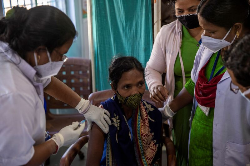 © Reuters. The Wider Image: The 1,700km journey to deliver coronavirus vaccine to India's rural health workers