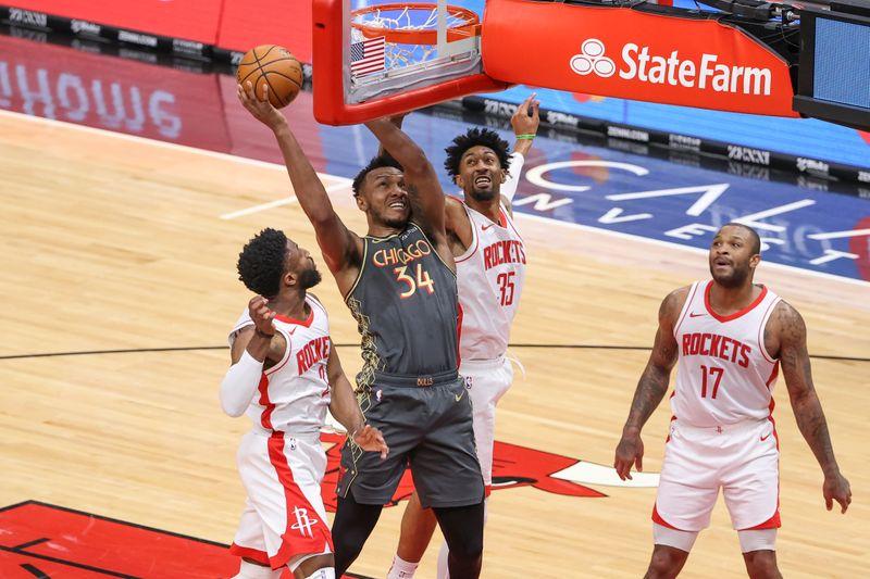 © Reuters. NBA: Houston Rockets at Chicago Bulls