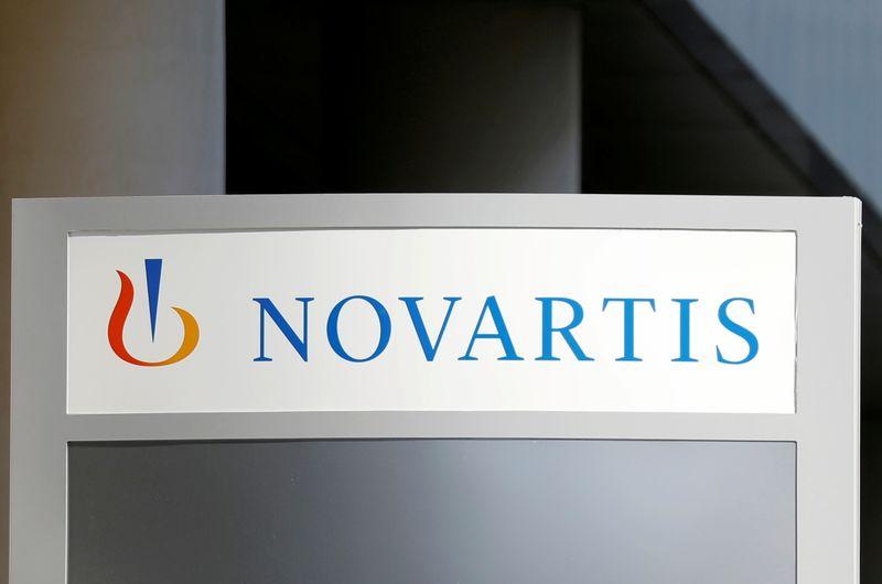 © Reuters. NOVARTIS EN DISCUSSIONS POUR AIDER À FABRIQUER DES VACCINS CONTRE LE CORONAVIRUS
