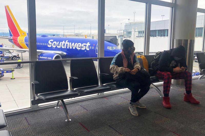 © Reuters. LOURDES PERTES ANNUELLES POUR AMERICAN ET SOUTHWEST AIRLINES