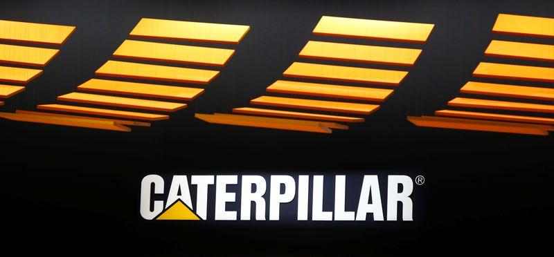 © Reuters. CATERPILLAR ANNONCE UNE BAISSE DE SES RÉSULTATS AU QUATRIÈME TRIMESTRE