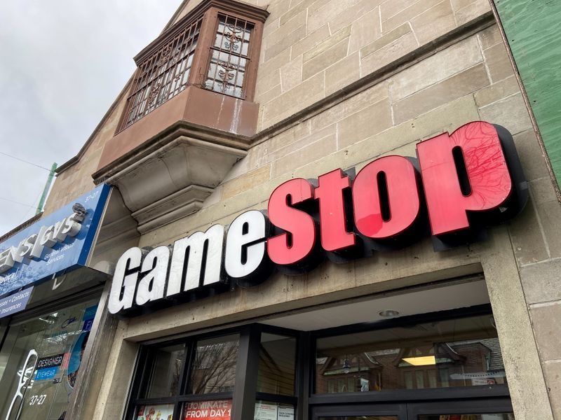© Reuters. A GameStop store is seen in the Jackson Heights neighborhood of New York City