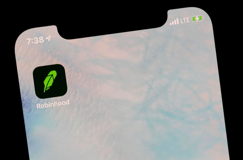 © Reuters. The Robinhood App is displayed on a screen