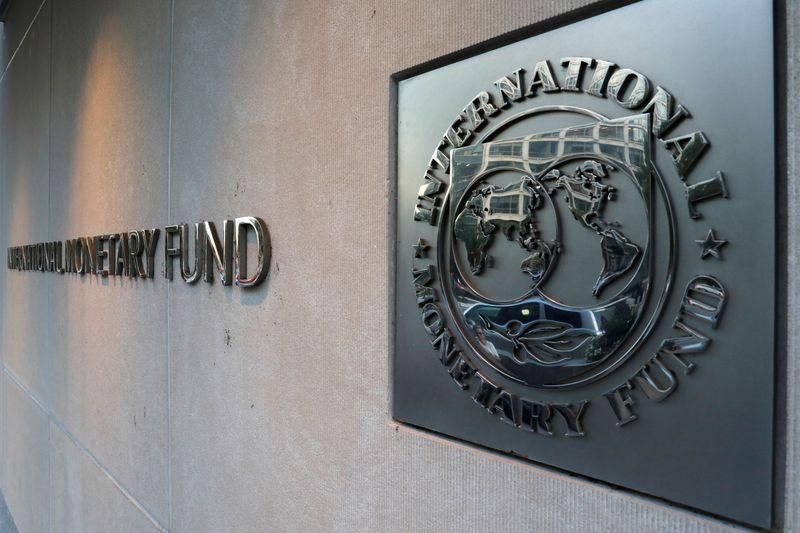 © Reuters. L'ARGENTINE VEUT UN ACCORD À 44 MILLIARDS DE DOLLARS SUR SA DETTE AVEC LE FMI