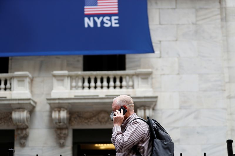© Reuters. FILE PHOTO: New York Stock Exchange opens during COVID-19