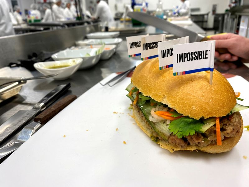 © Reuters. FILE PHOTO: A banh mi sandwich made with a plant-based Impossible Pork patty at the Impossible Foods headquarters in Silicon Valley