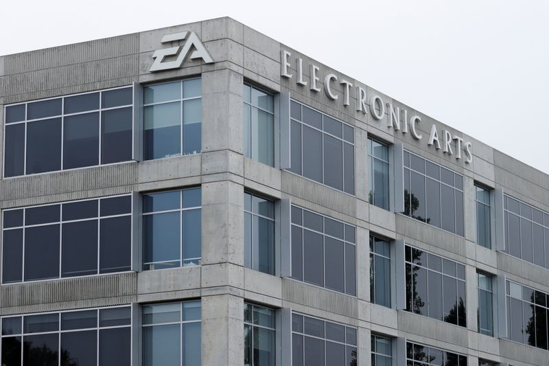 © Reuters. An Electronic Arts office building is shown in Los Angeles, California