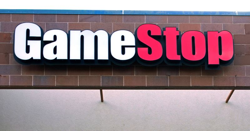 © Reuters. FILE PHOTO: The GameStop store sign is seen at its shop in Westminster