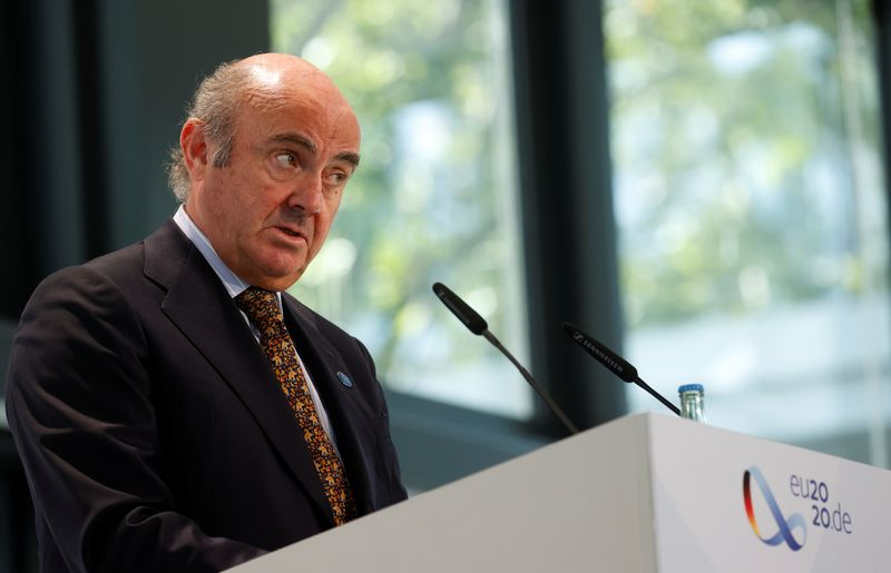 © Reuters. Il vicepresidente della Banca centrale europea Luis de Guindos a Berlino