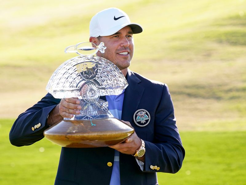 Chip-in eagle helps Brooks Koepka rally to win at TPC Scottsdale