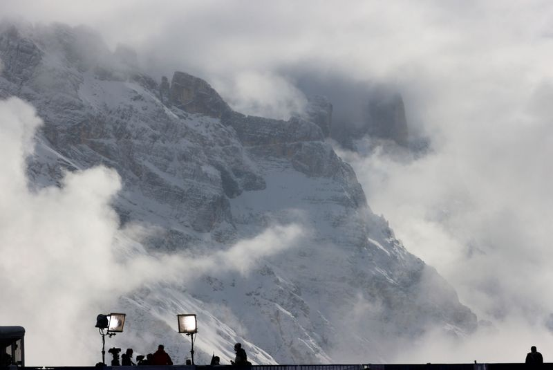 Alpine skiing: Opening world championship races fall foul of weather