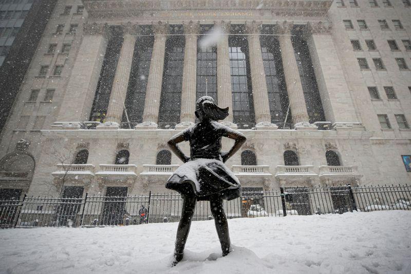 Уолл-стрит на рекордных пиках в ожидании стимулов