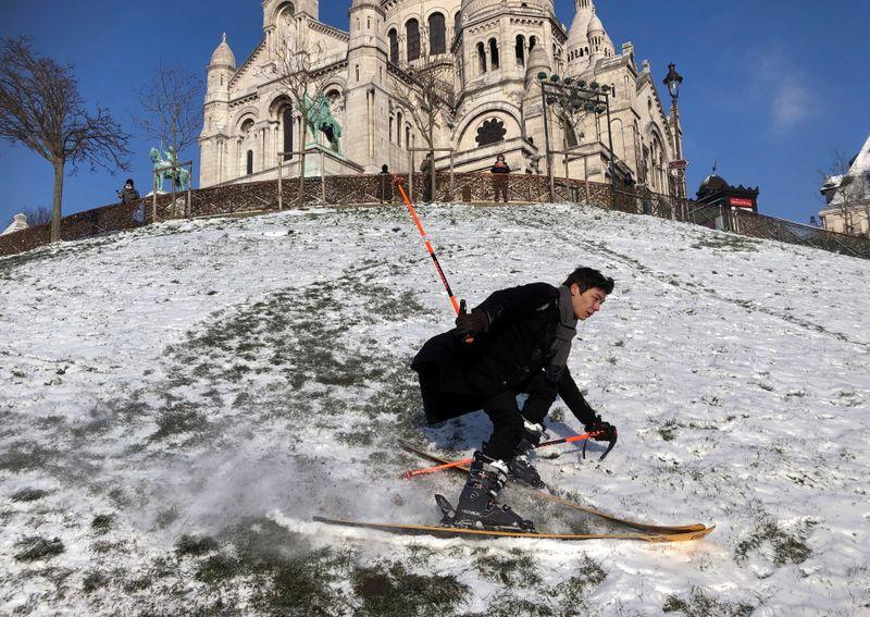 No ski resorts? No problem for one urban skier in Paris