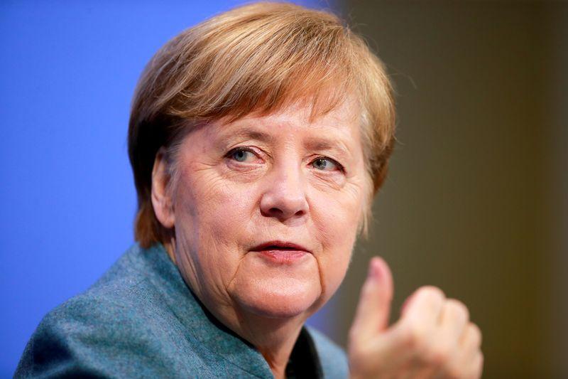 Analysis: Merkel's vote of confidence in Deutsche Bank belies lender's problems