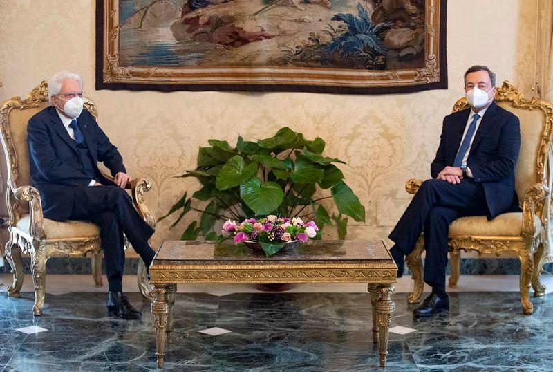 Governo, Mattarella riceve Draghi al Quirinale oggi alle 19