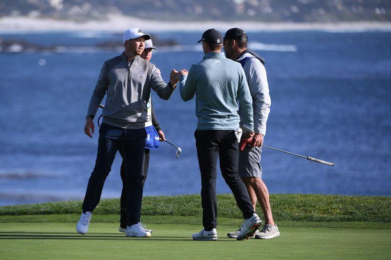 Golf: Jordan Spieth holds on to lead at Pebble Beach