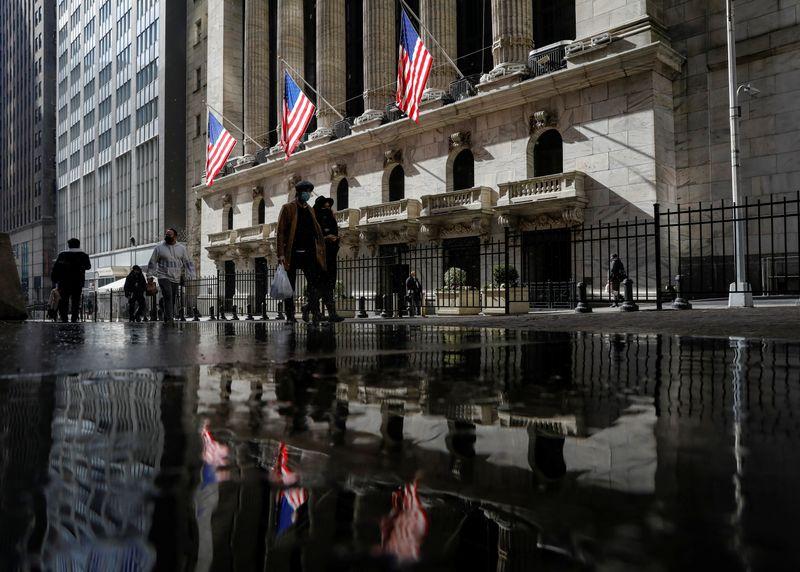 Nasdaq ends lower as tech slides; inflation concerns weigh