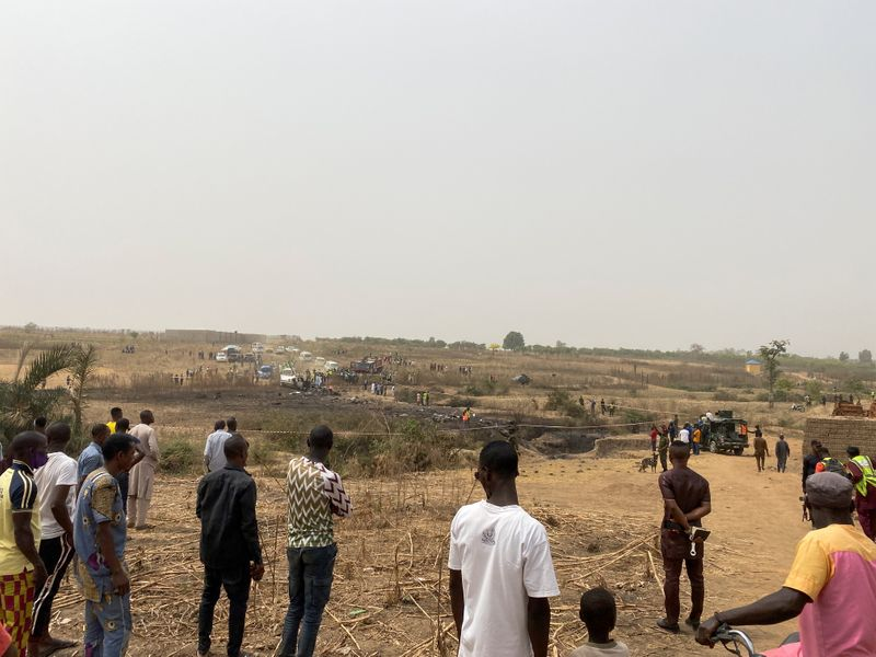Nigerian military plane crashes on approach to Abuja airport: minister