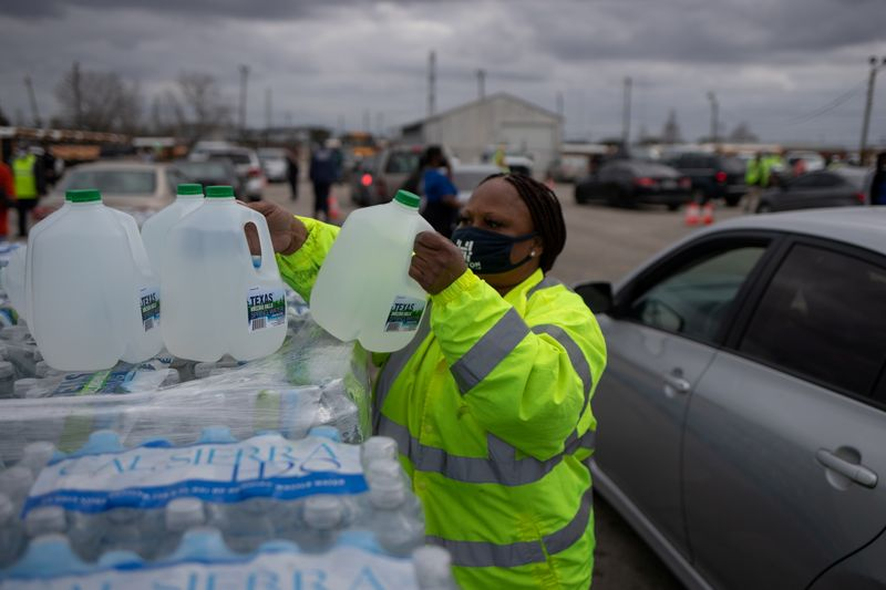 About a third of Texans still facing disrupted water supplies