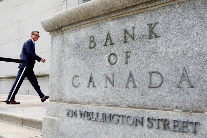 Bank of Canada sees economy strengthening as inoculations pick up