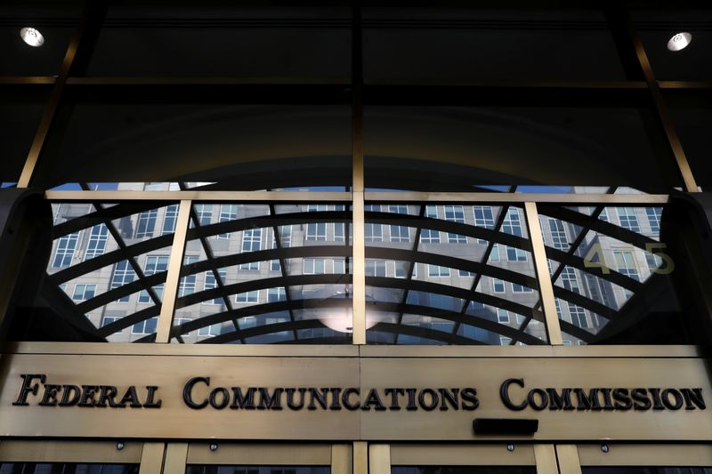 FCC to vote March 17 on plan to auction new spectrum block for 5G