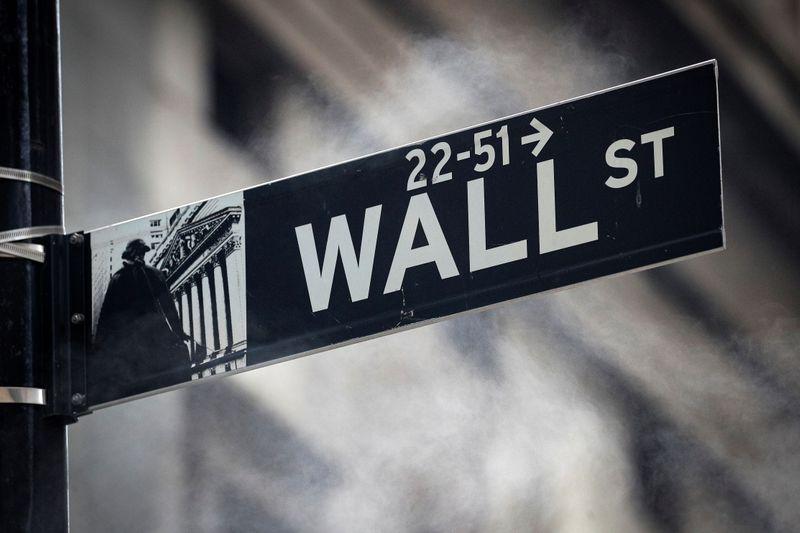 © Reuters. 米S&Pとダウ上昇、終盤に切り返す