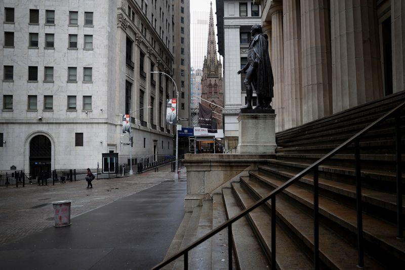 Le S&P-500 finit en hausse à Wall Street après l'audition de Powell