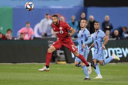 Toronto FC re-sign D Justin Morrow through 2021