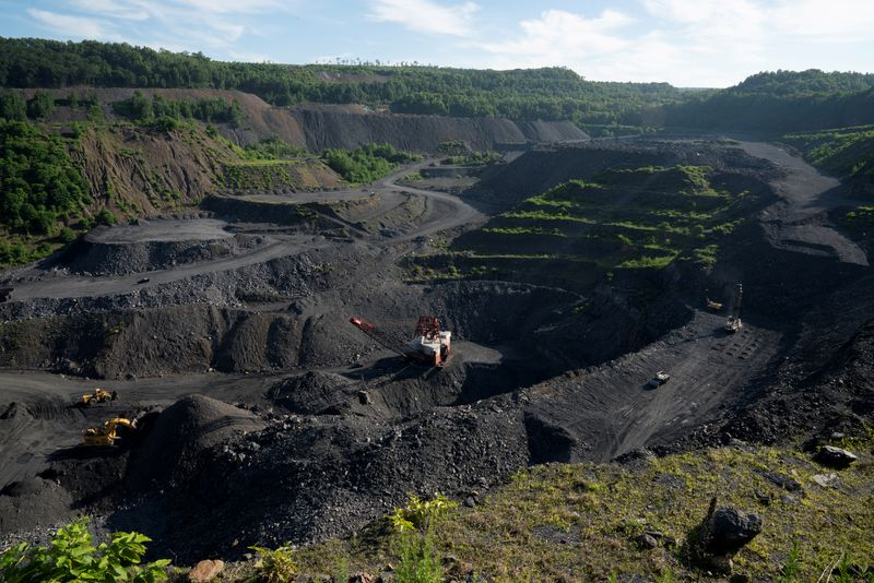 How private equity squeezes cash from the dying U.S. coal industry