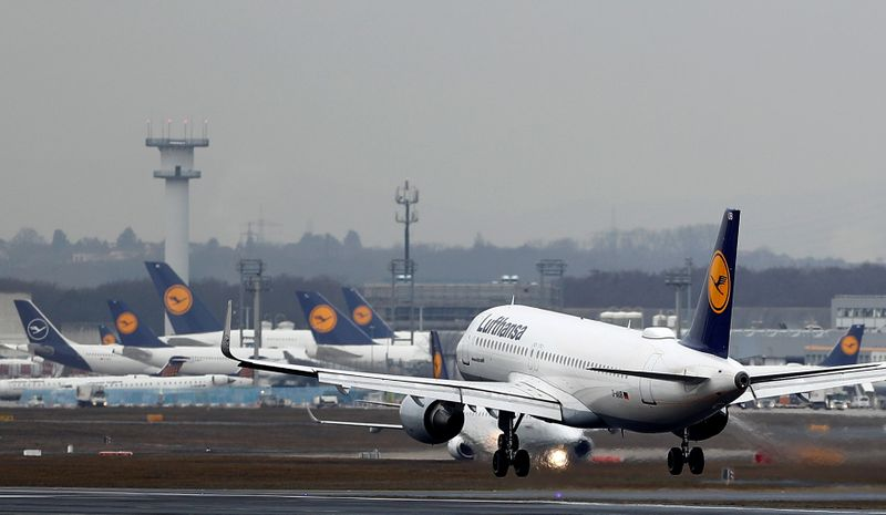 Lufthansa weighs more aircraft retirements after record loss