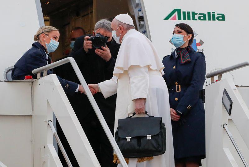 El Papa Francisco deja Roma para un arriesgado e histórico recorrido por Irak