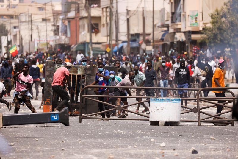 Senegal shuts schools amid violent unrest
