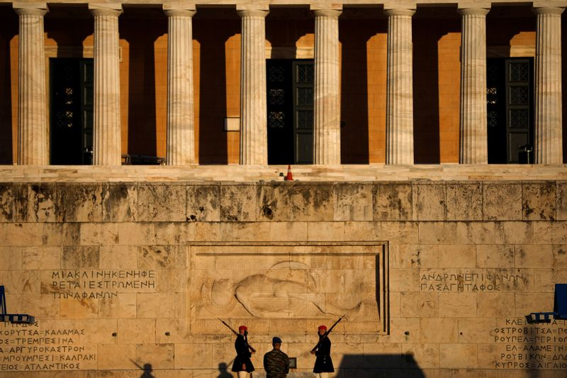Greece hopes to lift COVID curbs in retail before end-March, tourism in May