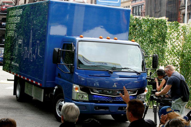 U.S. judge approves Daimler's $1.5 billion diesel emissions settlement