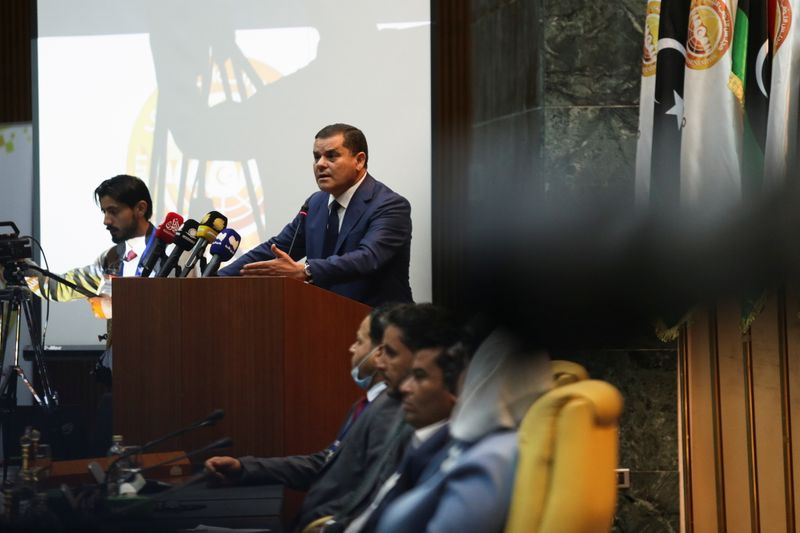 Libya PM addresses parliament as government vote looms