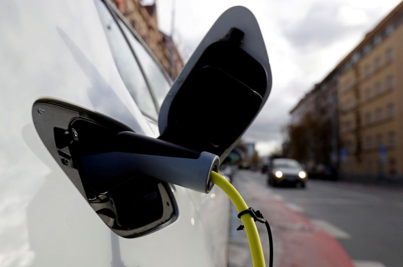 EU needs phase-out date for new petrol and diesel cars, nine countries say