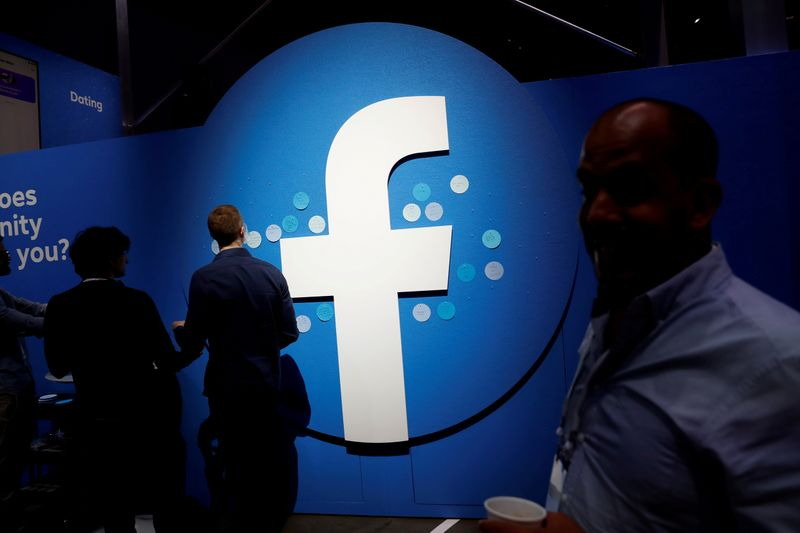Facebook, Google fight bill that would help U.S. news industry