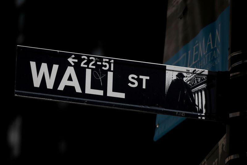 Futures buoyed by optimism over U.S. economic growth