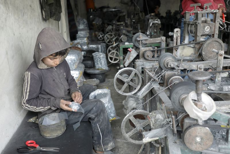 Born into conflict, 10-year old Syrian child is family's breadwinner