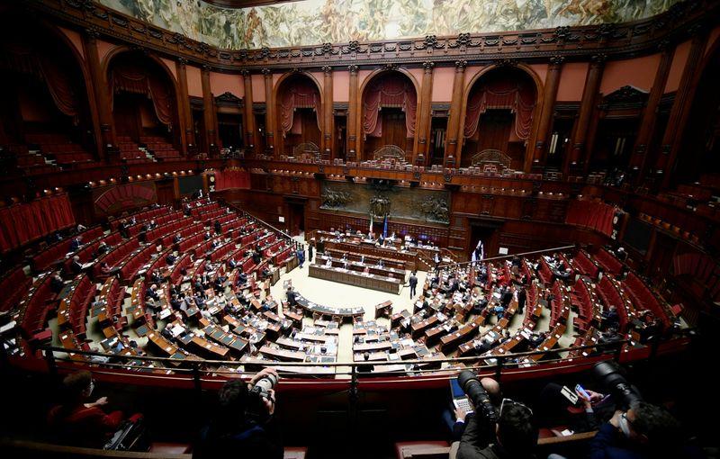 Governo, oggi il decreto da 32 mld con proroga blocco licenziamenti