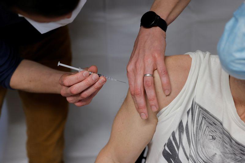 Coronavirus: Plus de 4.400 patients en réanimation en France