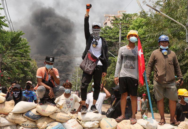 Journée sanglante en Birmanie, plus de 100 manifestants tués
