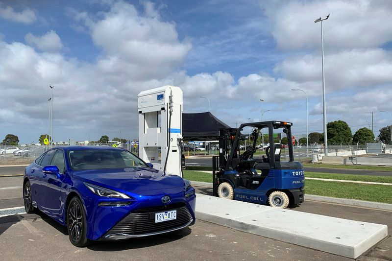 Toyota presses Australia to promote roll-out of hydrogen fuel stations